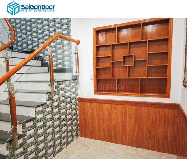 Khách hàng cần chọn loại cửa phù hợp với không gian ngôi nhà